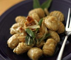 Gnocchi Aus Süßkartoffeln Und Mit Salbei