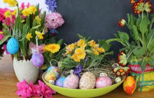 Osterkorb Mit Blumen
