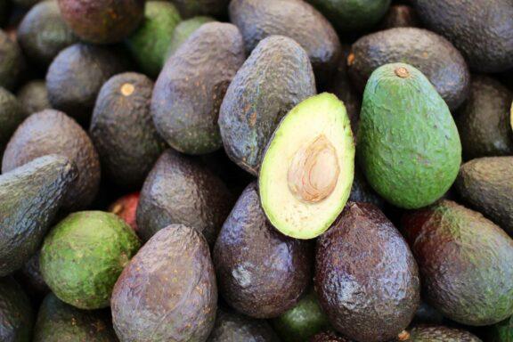 Die gesunde Avocado und ihre Schattenseiten