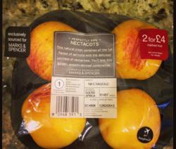 Nectacots Abgepackt Im Supermarkt