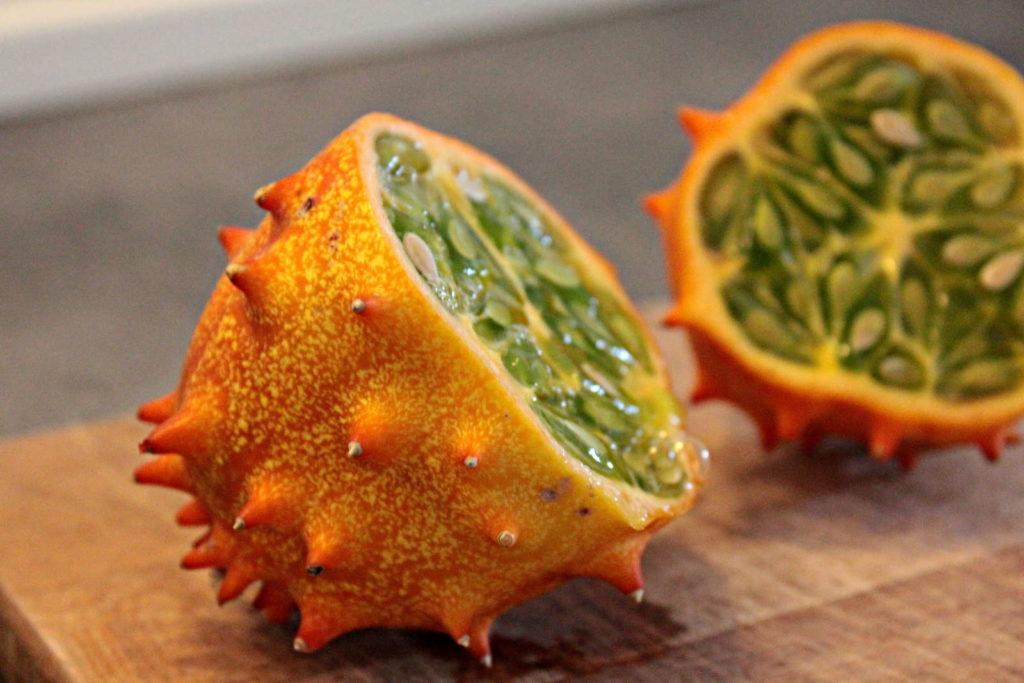 Horngurke aufgeschnitten komische Früchte