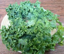 Grünkol Ernte In Küche Auf Brett
