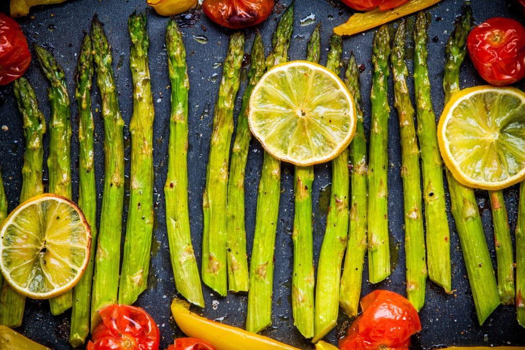 Spargel gebacken mit Gemüse