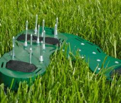 Aerifizieren Mit Schuhen Rasenlüftungsschuhe Rasen Lüften
