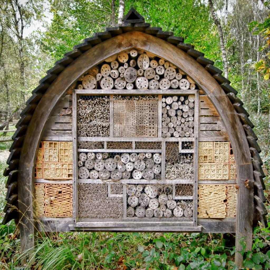 Insektenhotel Bienenhotel aus Holz
