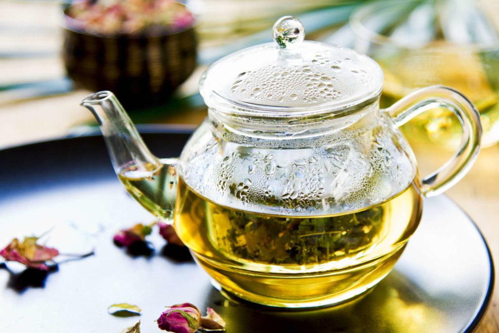 Tee aus Zitronenverbene