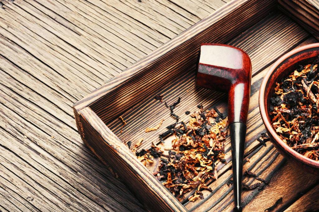 Tabak mit Pfeife
