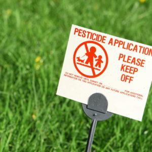 Betreten Verboten - Schild Im Rasen