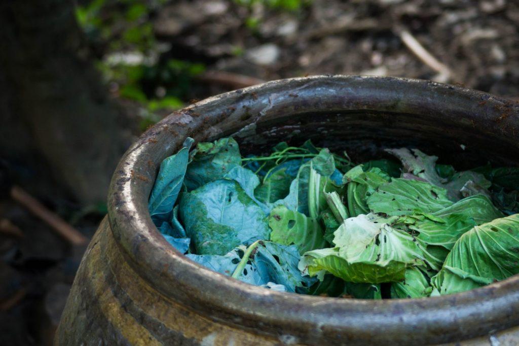 Fass mit Kompost