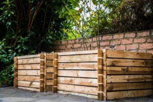 Zwei Komposter Aus Holz