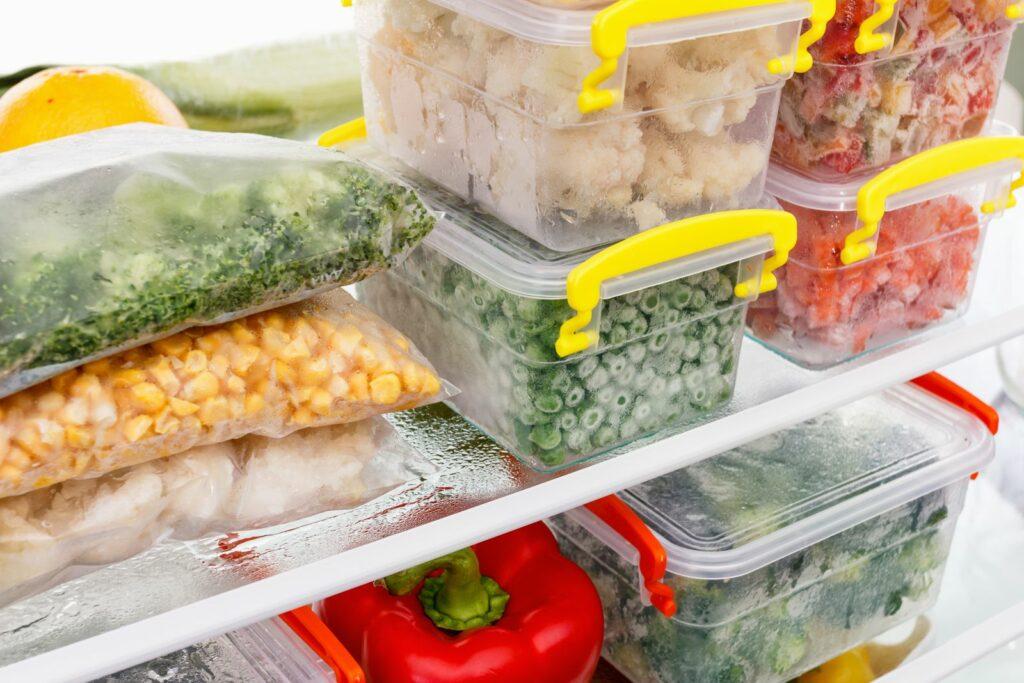 eingefrorenes Gemüse und Obst