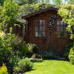 Kleiner Garten Mit Gartenhäuschen
