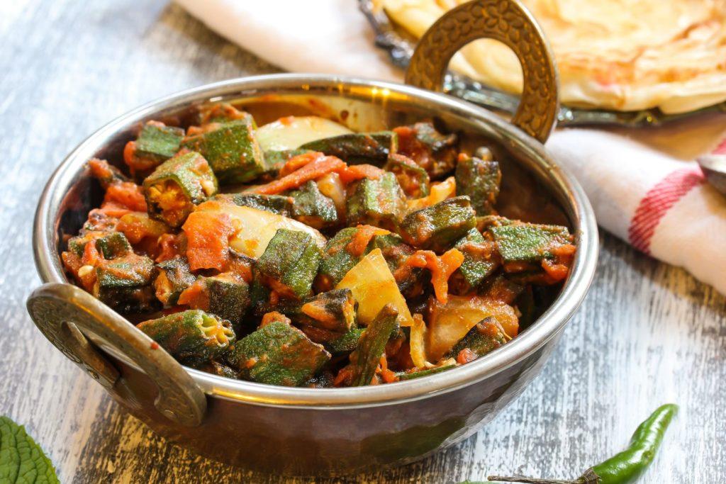 Curry mit Okra-Schoten