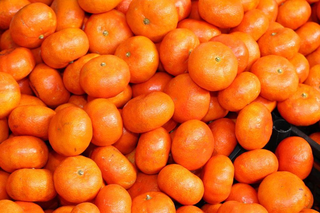 Clementinen im Stapel