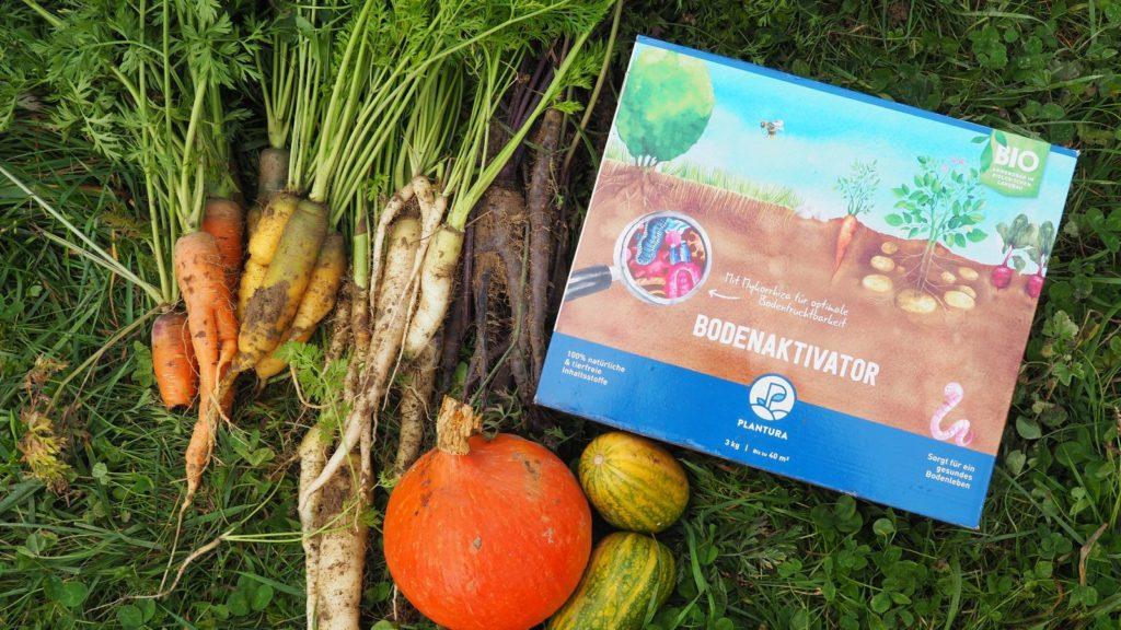 Plantura Bio-Bodenaktivator mit Ernte