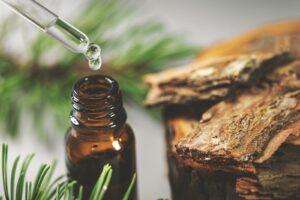 Kiefernöl Mit Pipette Aus Fläschchen Entnehmen