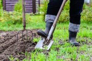 Erde Mit Spaten Umgraben
