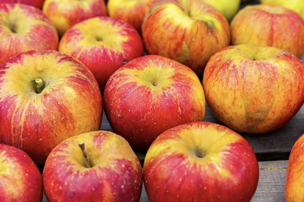 reife Topaz-Äpfel