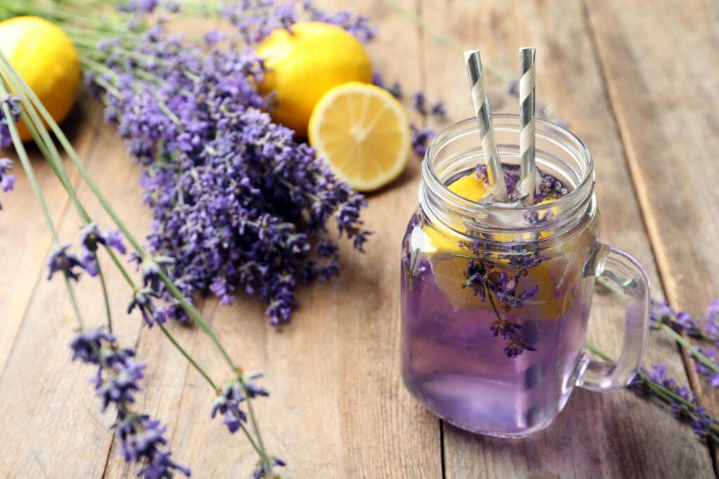 Limonade mit Lavendel