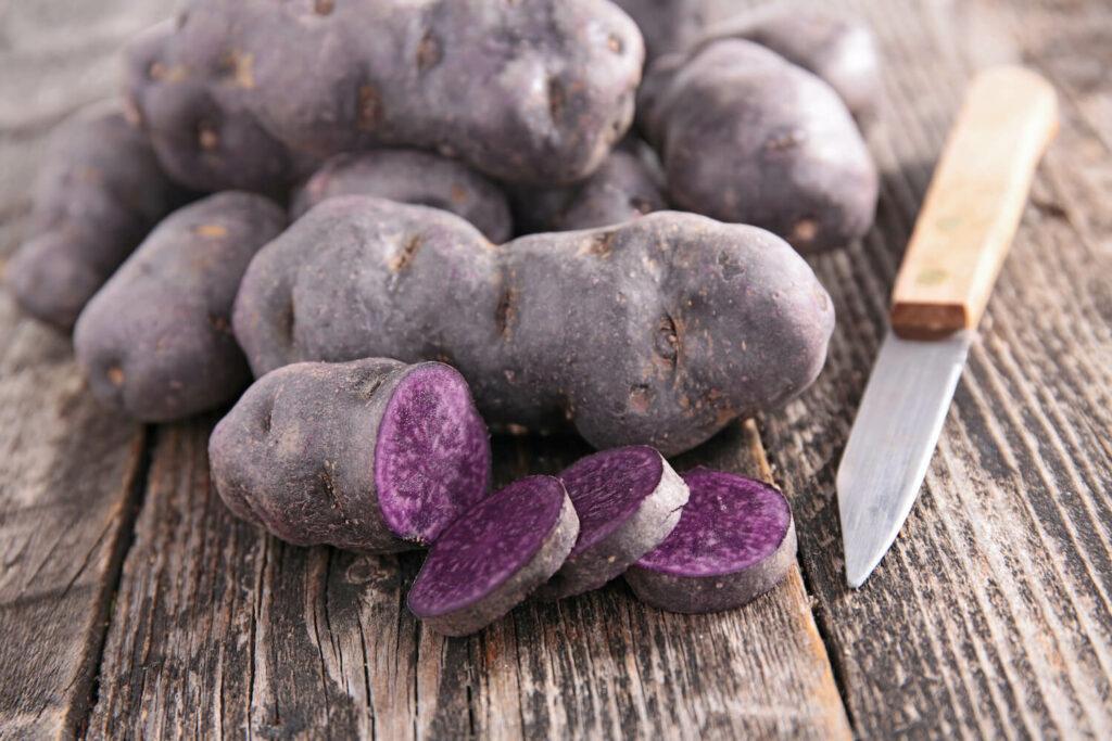 Verarbeitung violetter Kartoffeln
