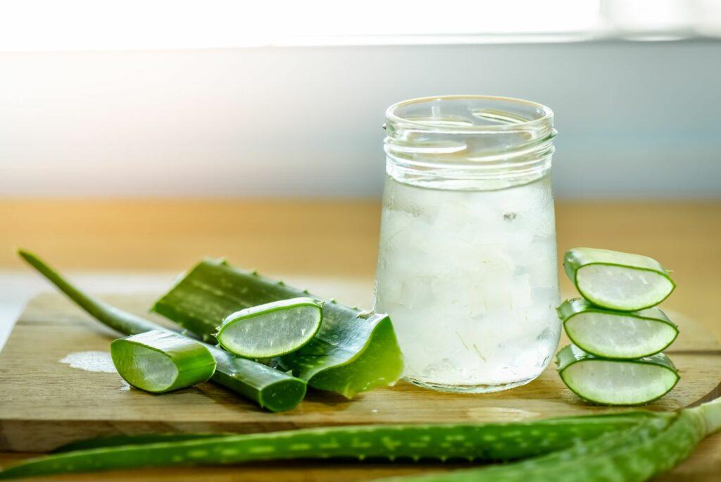 Glas mit Aloe vera-Gel
