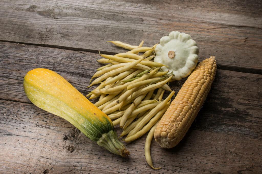 Mais, Bohnen und Kürbis